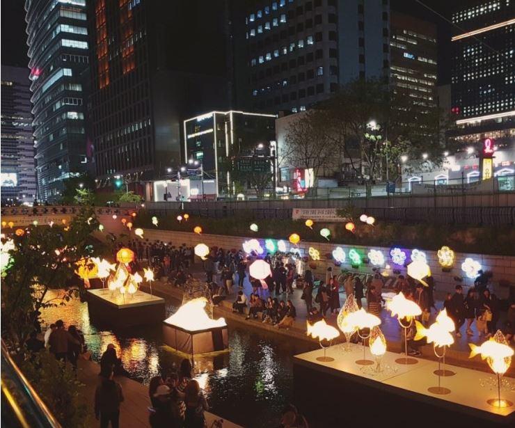 불기 2561년 부처님오신날 청계광장서 개최된 연등축제